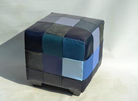 Lederhocker verschiedene Blautöne