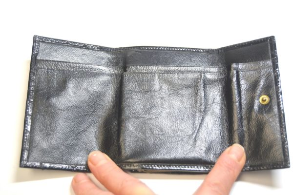 Damenbörse schwarz glänzend Krokoleder